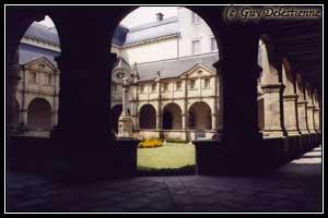 Cloître (Sanctuaire, Sainte-Anne d'Auray, 2004)