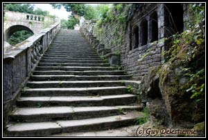 Escalier d'accés (Chapelle Sainte Barbe, Faouet, 2008)