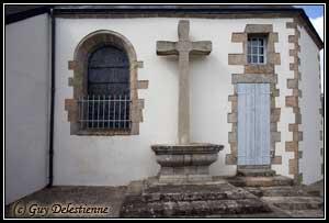 Croix extérieure (Eglise Saint-Gérand, Cléguer, 2009)