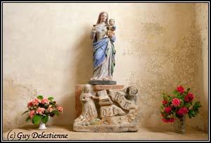 Sainte-Vierge à l'enfant,Haut-relief: l'annonciation (Eglise paroisiale de la Trinité, Calan, 2010)