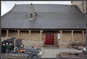 Gallerie extérieure (Eglise paroisiale de la Trinité, Calan, 2010)